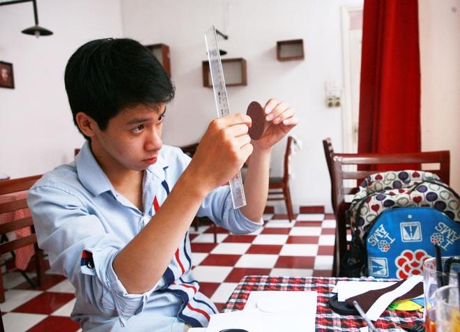 9X treo bang dai hoc, mo 2 shop handmade thu nhap cao hinh anh