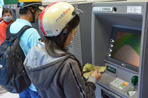 Khong de ATM het tien dip 30/4 hinh anh