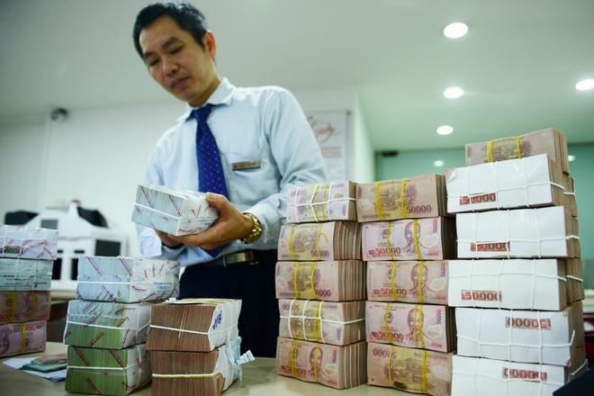 Muc tang luong toi thieu: Cho phuong an ngay 3/9 hinh anh