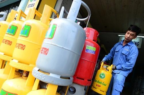 Gia gas tang 17.000 dong mot binh 12 kg hinh anh 1 Từ 2/11, giá gas tăng hơn 1.416 đồng/kg.