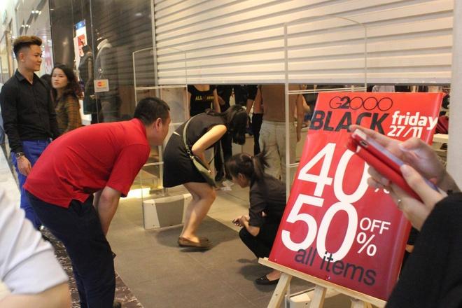 Nguoi Sai Gon chui cua cuon de mua hang ngay Black Friday hinh anh