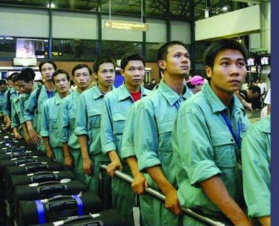 Vi sao hang nghin nguoi Viet mat co hoi di lam o Han Quoc? hinh anh