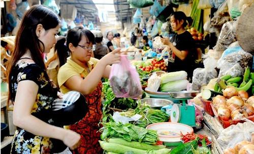 Tet Nguyen dan: Thit, rau xanh se khong tang gia hinh anh