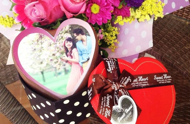 Chocolate in anh bang bot gao, giay duong dip Valentine hinh anh