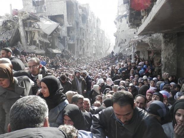 Khung bo IS lan dau tien tan cong thu do Syria hinh anh