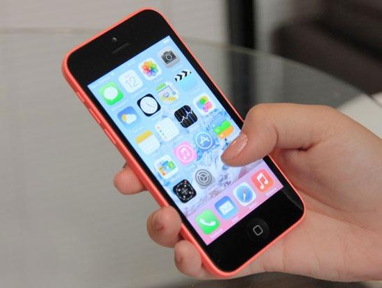 Vi sao nguoi dung mat tien khi dung iPhone 5C lock? hinh anh