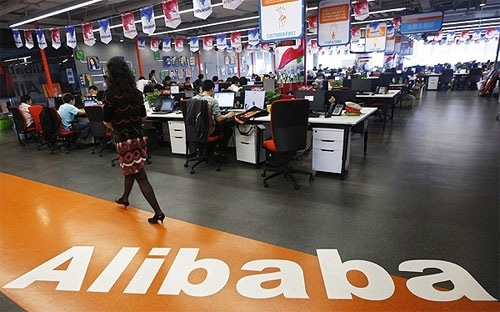 Mot loat hang do hieu dam don kien Alibaba hinh anh