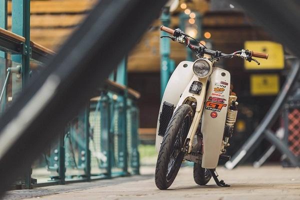 Honda Cub do may NOS sieu khung hinh anh