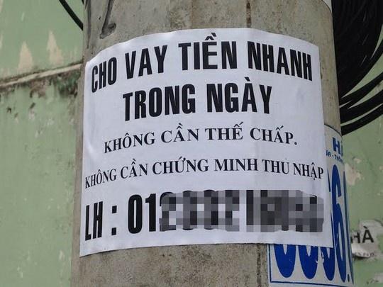 Khon don vi tin dung den hinh anh 2 Tờ rơi quảng cáo cho vay tiền nhanh trong ngày.