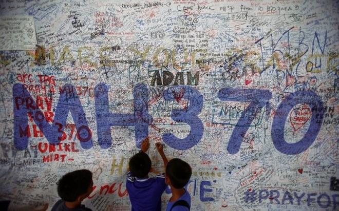 Tau Australia ngung tim kiem may bay MH370 hinh anh