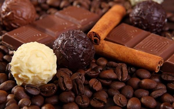Vi dang trong thanh chocolate ngot hinh anh