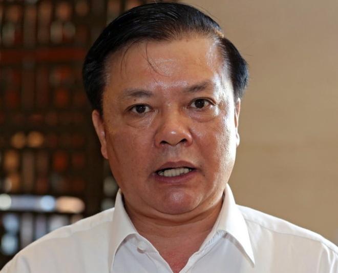 'Mot con ga thu 14 loai phi, troi dat oi!' hinh anh 2 Bộ trưởng Bộ Tài chính Đinh Tiến Dũng.