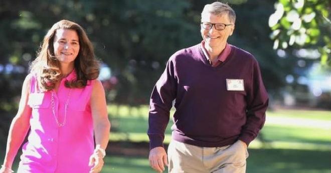 Bong hong quyen luc dong hanh voi Bill Gates hinh anh