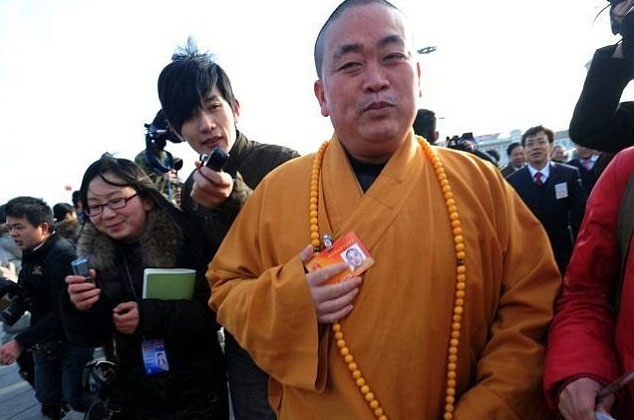 Nguoi phu nu duoc cho la nhan tinh cua su phu Thieu Lam Tu hinh anh