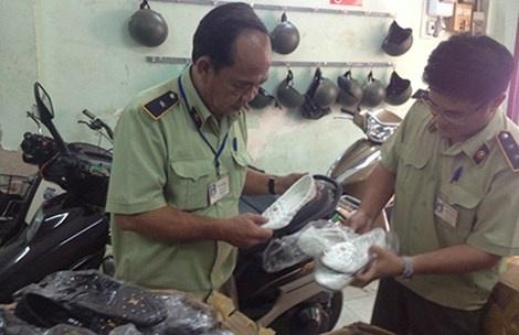 Day thun, tam... Trung Quoc tan cong hang Viet hinh anh 1 QLTT TP HCM thường xuyên phát hiện hàng lậu Trung Quốc.
