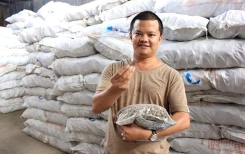 Doanh nhan Hieu Songnam va con duong dua oc vit ra the gioi hinh anh 1 Doanh nhân trẻ Phạm Trung Hiếu – người đưa ốc vít ra thị trường thế giới.