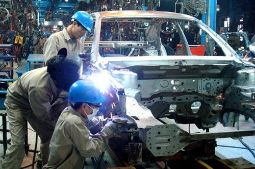 Thue nhap khau oto giam: Toyota lai tinh roi Viet Nam hinh anh