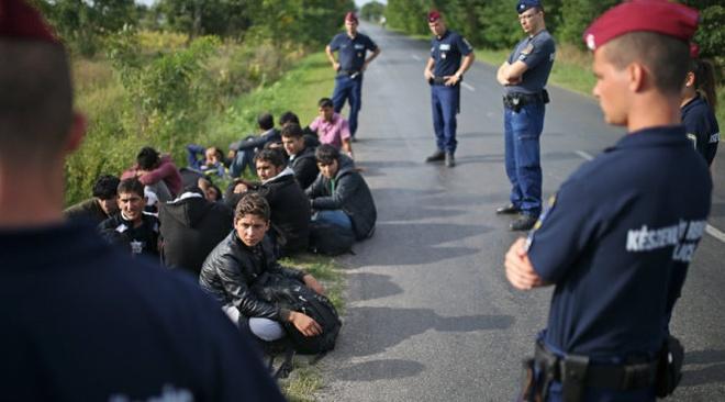 Hungary dua quan doi vao giai quyet van de nguoi ti nan hinh anh
