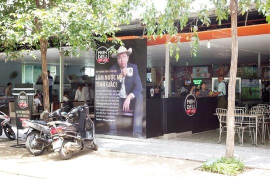Quầy cà phê PhinDeli tại trường ĐH Tôn Đức Thắng.