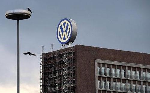 Sep cu Volkswagen bi dieu tra hinh su hinh anh 1 Volkswagen đang bị nhấn chìm trong cuộc khủng hoảng tồi tệ nhất lịch sử 78 năm của hãng.