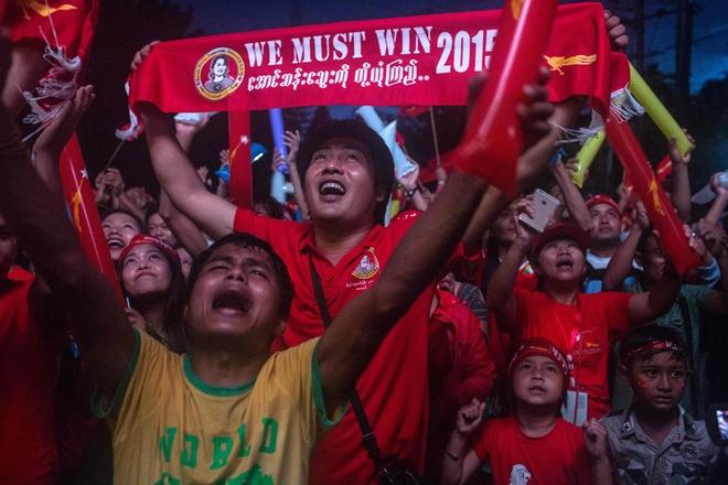 Myanmar: Binh minh sau nhung nam dai cho doi hinh anh
