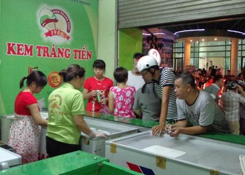 Ong chu thuc su cua Kem Trang Tien hien gio la ai? hinh anh
