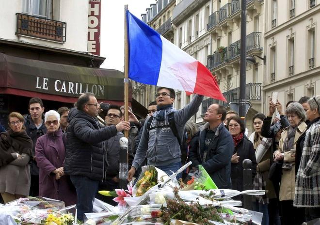 Paris co bi chay thieu hay khong? hinh anh