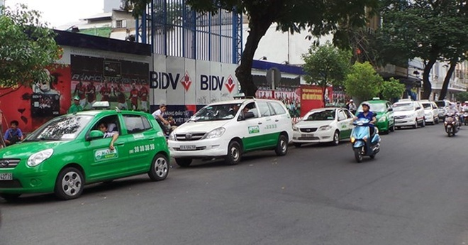 Uber, Grab - taxi truyen thong: Cuoc chien chua co hoi ket hinh anh 2