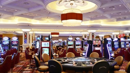 Casino, ca do: Cho nghi dinh, tien chay qua bien gioi hinh anh 1
