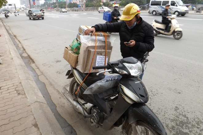 Nghe shipper: Rui ro khong the tinh truoc hinh anh