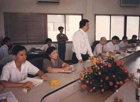 Tang Minh Phung: Dai gia bi an dinh dam mot thoi hinh anh