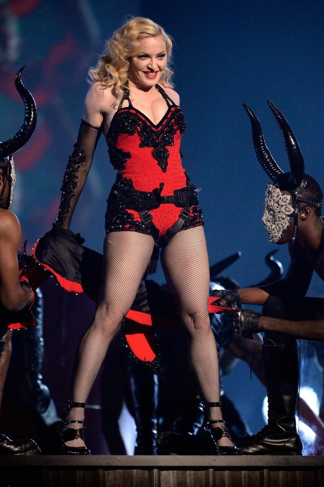 Madonna la bieu tuong thoi trang anh 10