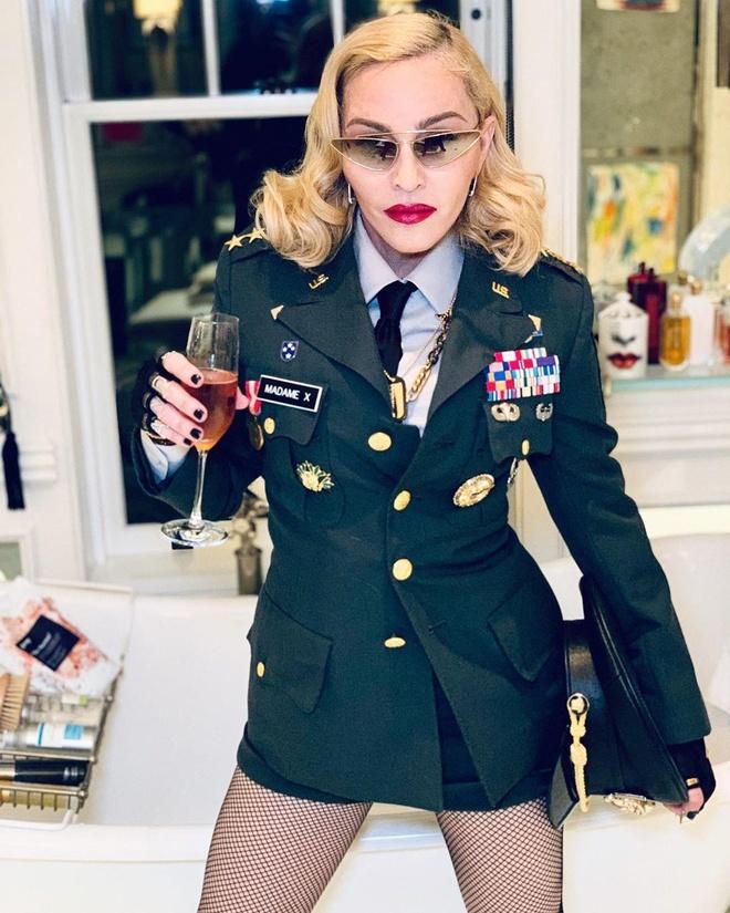 Madonna la bieu tuong thoi trang anh 13