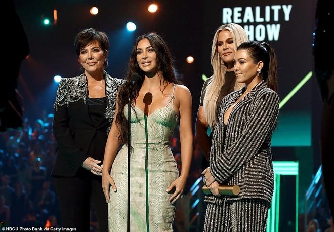 Kim Kardashian toa sang tren tham do sau khi giam 9 kg hinh anh 8