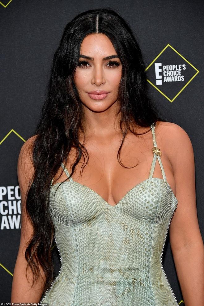 Kim Kardashian toa sang tren tham do sau khi giam 9 kg hinh anh 4