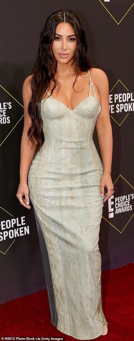 Kim Kardashian toa sang tren tham do sau khi giam 9 kg hinh anh 2