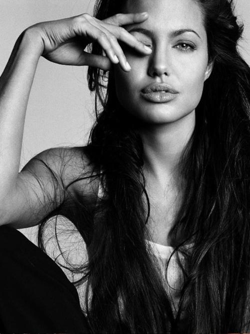 Angelina Jolie dep tu nho anh 11