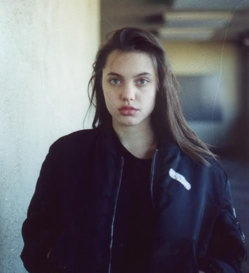 Angelina Jolie dep tu nho anh 3
