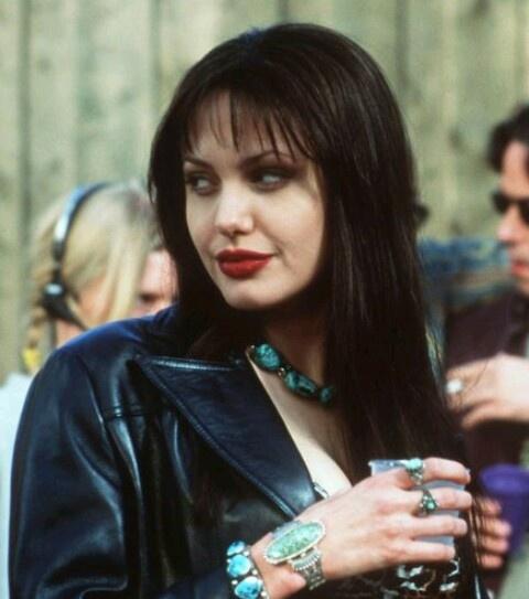 Angelina Jolie dep tu nho anh 4