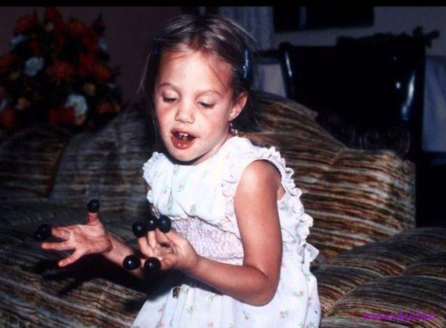 Angelina Jolie dep tu nho anh 2
