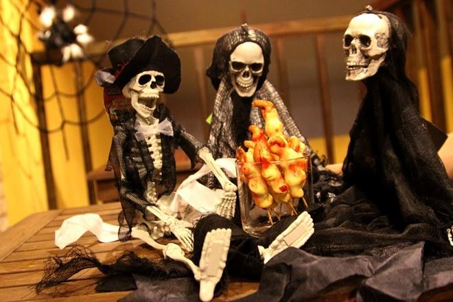 Do an tao hinh kinh di dip Halloween o TP.HCM hinh anh 6