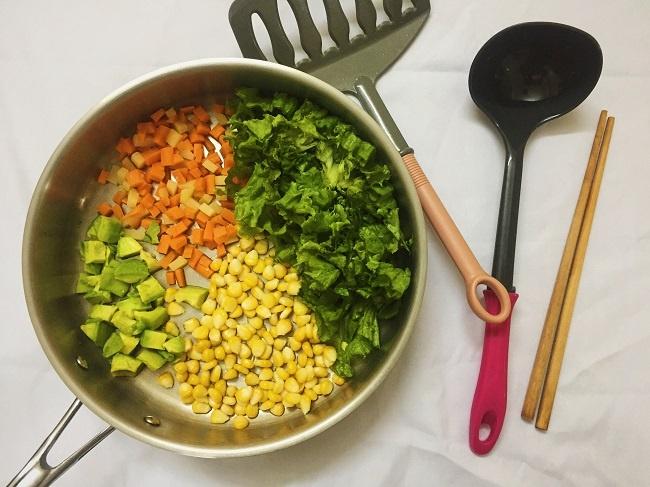 Salad rau cu thanh mat cho ngay he hinh anh 2