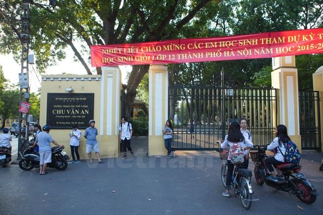 Can canh nhung ngoi truong pho thong tram nam tuoi o Ha Noi hinh anh 1 Trường Trung học phổ thông Chu Văn An (hay trường Bưởi) là trường trung học công lập nổi tiếng ở Hà Nội.