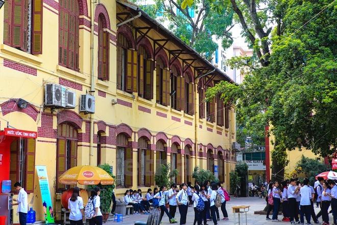 Can canh nhung ngoi truong pho thong tram nam tuoi o Ha Noi hinh anh 9 Trung học phổ thông Trần Phú - Hoàn Kiếm được người Pháp thành lập năm 1919 với tên gọi là Grand Lycée, đào tạo học sinh từ 16 đến 18 tuổi.
