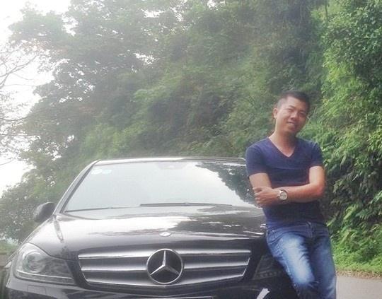 Nhung nguoi hung tren Facebook duoc dan mang nguong mo hinh anh 3 Anh Nguyên Lê - người nhặt được chiếc túi và trả lại cho người mất.