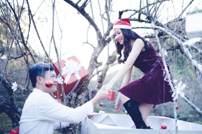 Anh cuoi Noel giua nui rung cua cap doi Ha Thanh hinh anh 4