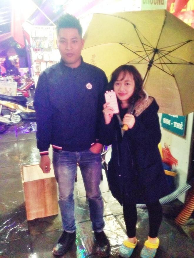 Chang trai lai taxi tra iPhone 6 cho khach de quen hinh anh 2
