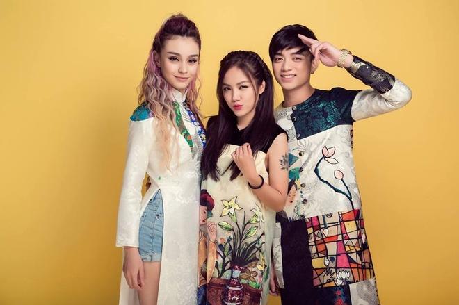 Hot teen hanh phuc ben gia dinh, nguoi than dip nam moi hinh anh 3