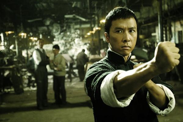 Chung Tu Don dong 'Diep Van 3' voi cat xe gan 5 trieu USD hinh anh 1 Hình ảnh Diệp Vấn qua diễn xuất của Chung Tử Đơn trong phần 1.