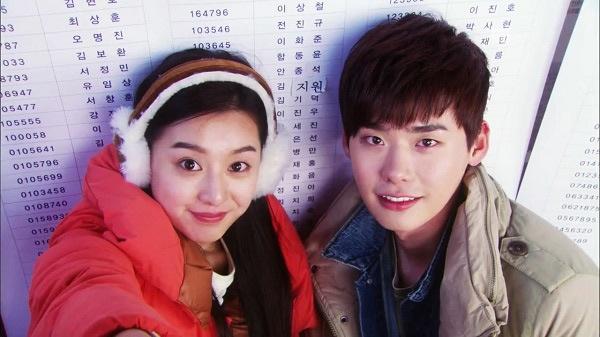 Kim Ji Won hài hước với vai nữ sinh cấp 3 Ji Woon trong Gia đình là số 1 (phần 3).